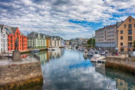 15 Best Places to Visit in Norway - The Crazy Tourist
