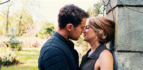 When They Get Hot and Heavy in Public | Divergent Tris and