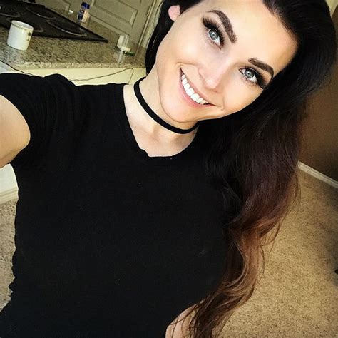 Niece Waidhofer is Absolutely Gorgeous – Find Her Name
