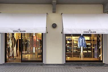 Flag stores - Stone Island Corporate