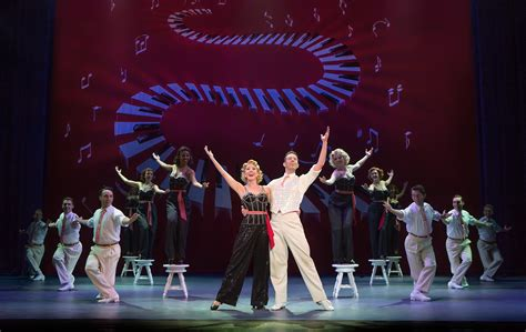 Theater review: 'Irving Berlin's White Christmas' - Daily